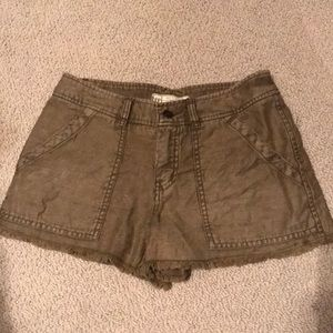 Army green Free People short